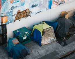 best ways to help the homeless